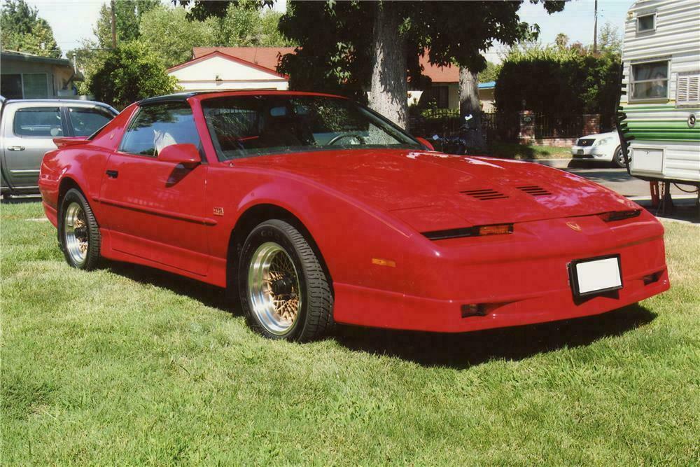 1990 PONTIAC FIREBIRD TRANS AM GTA COUPE - Front 3/4 - 112897