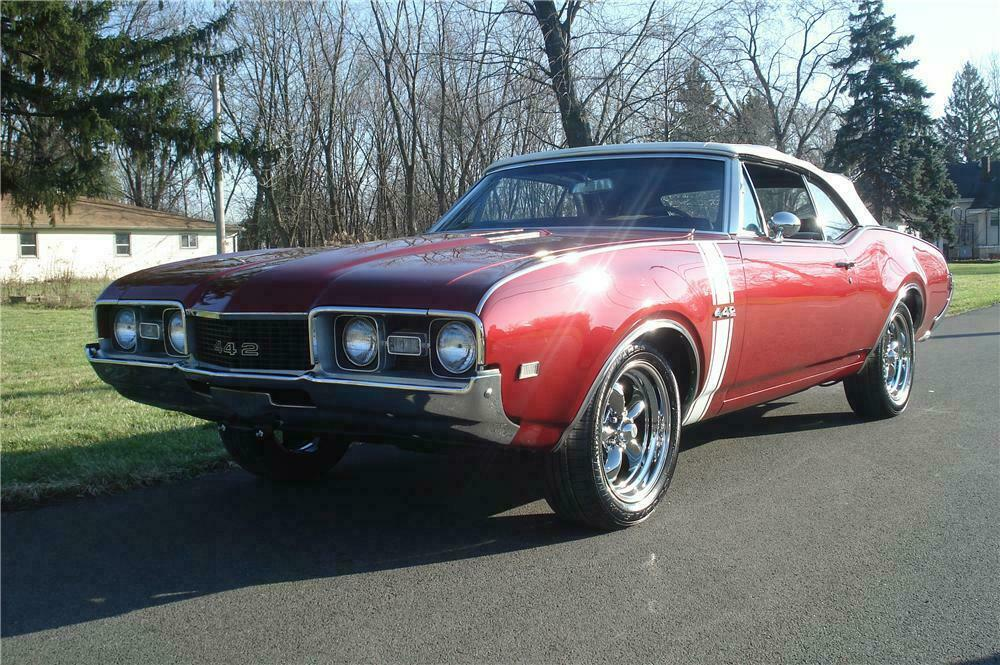 1968 OLDSMOBILE 442 CONVERTIBLE - Front 3/4 - 116279