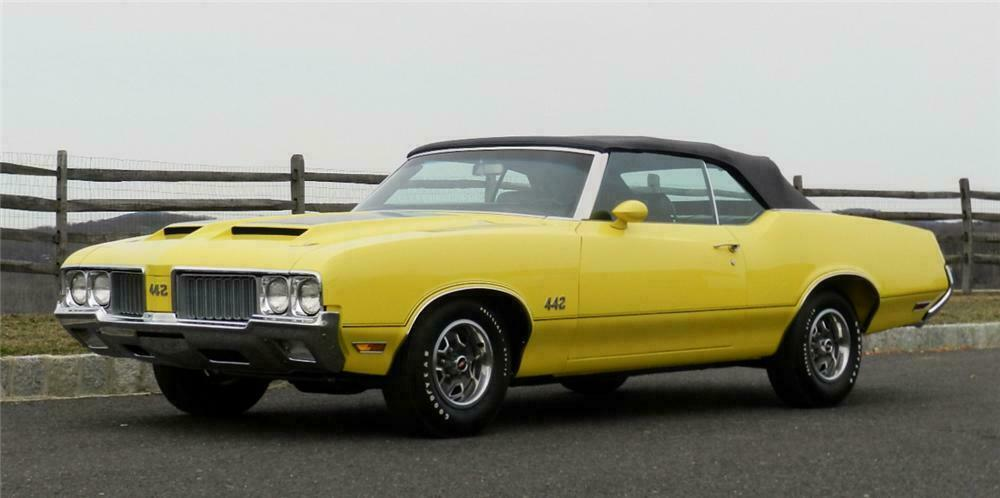 1970 OLDSMOBILE 442 CONVERTIBLE - Front 3/4 - 152068