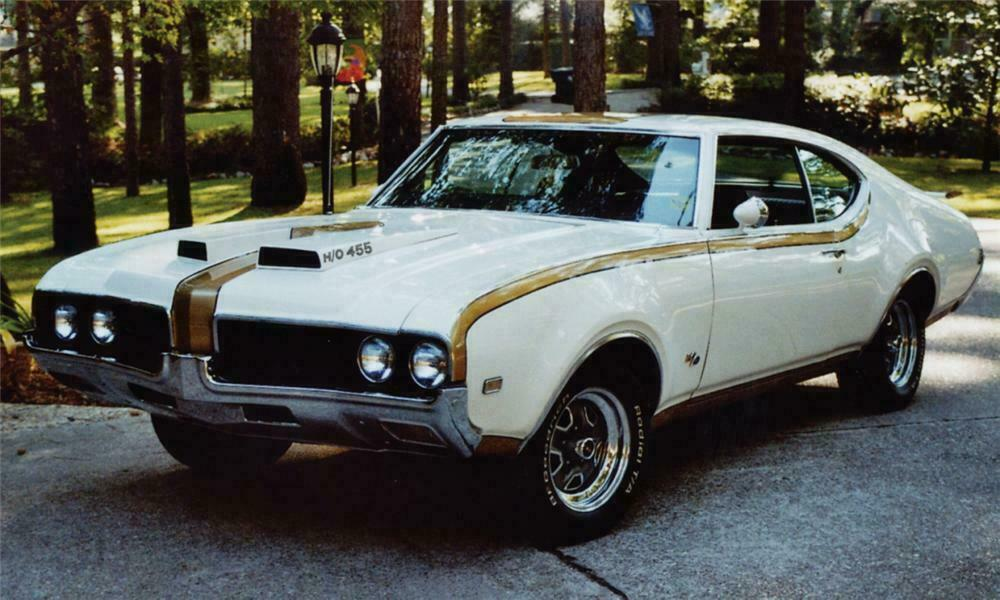 1969 OLDSMOBILE 442 HURST COUPE - Front 3/4 - 15510