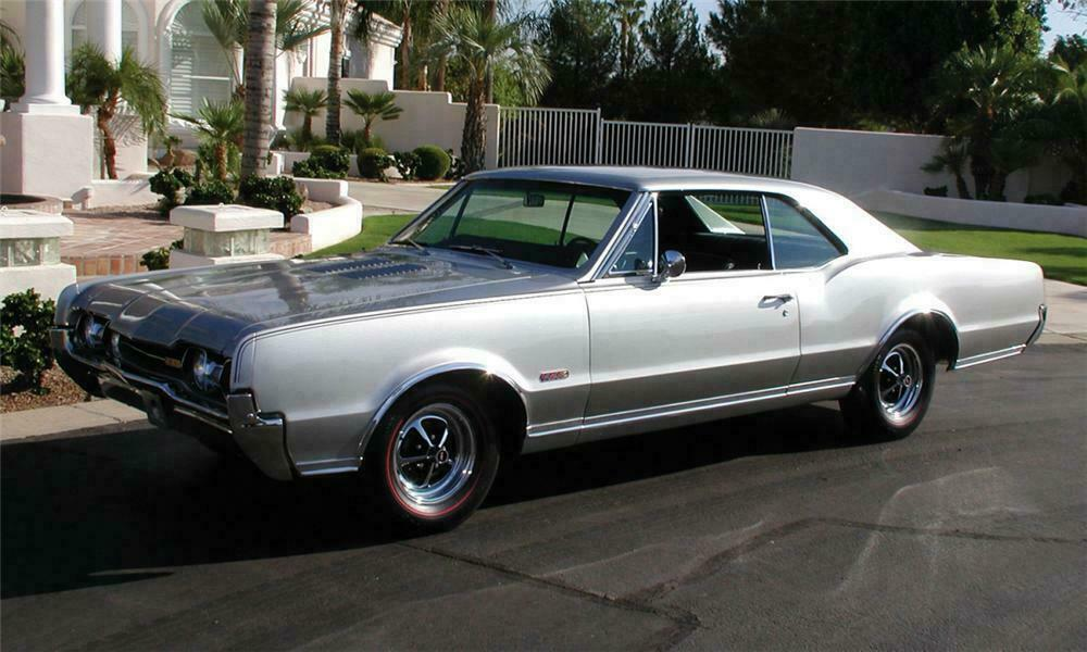 1967 OLDSMOBILE 442 COUPE - Front 3/4 - 15584