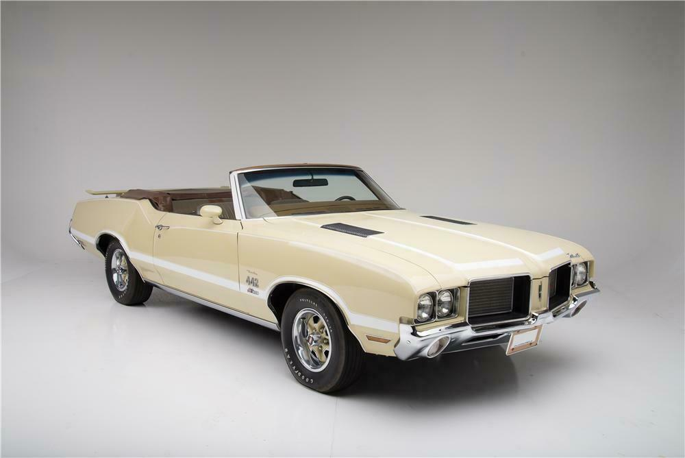 1972 OLDSMOBILE 442 CONVERTIBLE - Front 3/4 - 160957