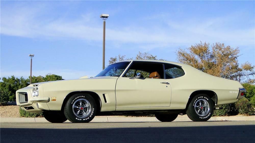 1972 PONTIAC GTO 2 DOOR COUPE - Front 3/4 - 161347