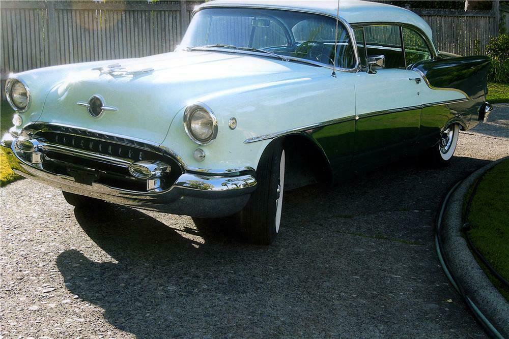 1955 OLDSMOBILE SUPER 88 2 DOOR HARDTOP - Front 3/4 - 161394