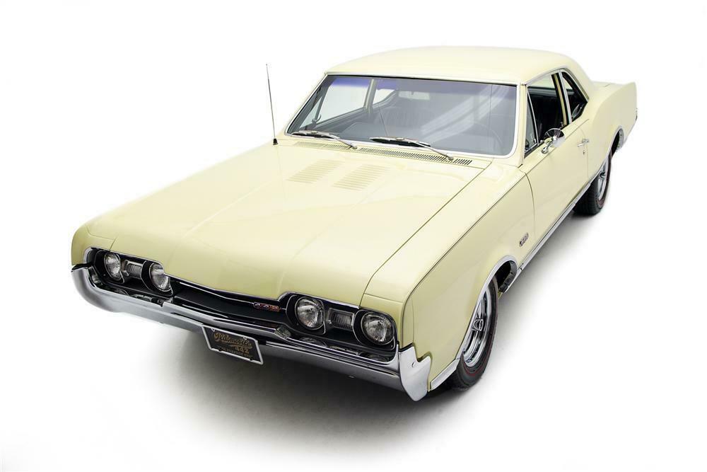 1967 OLDSMOBILE 442 2 DOOR SEDAN - Front 3/4 - 161417