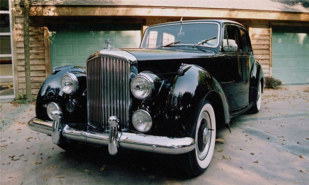 1953 BENTLEY R-TYPE SEDAN - Front 3/4 - 16256