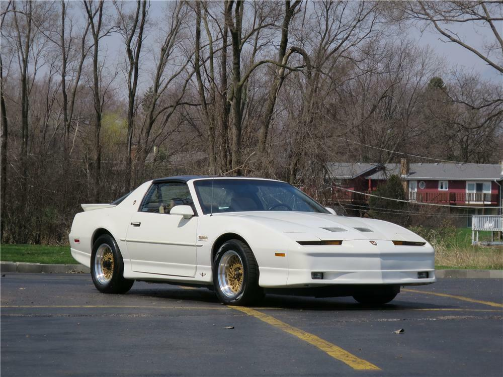 1989 PONTIAC TRANS AM PACE CAR 2 DOOR COUPE - Front 3/4 - 177455