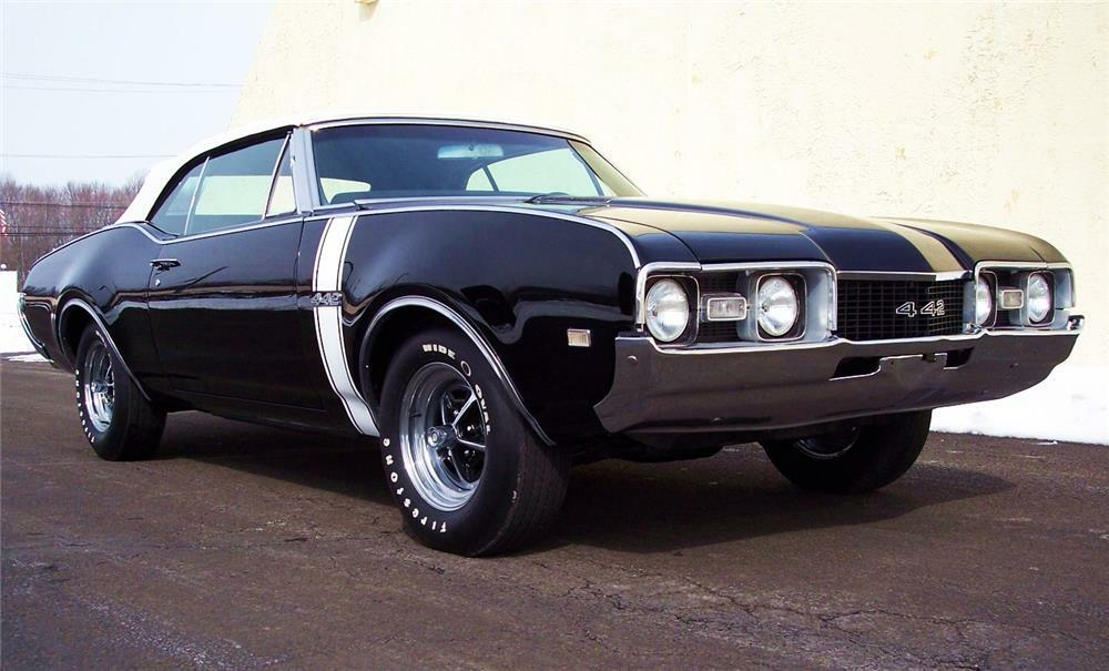 1968 OLDSMOBILE 442 CONVERTIBLE - Front 3/4 - 184057