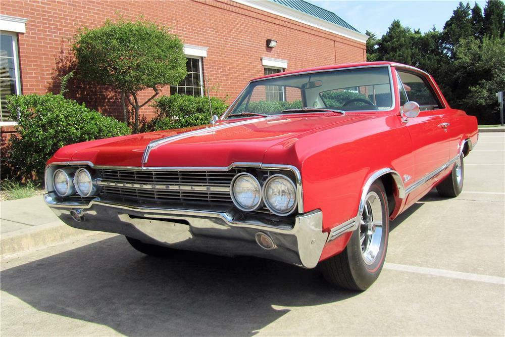 1965 OLDSMOBILE CUTLASS HOLIDAY - Front 3/4 - 187050