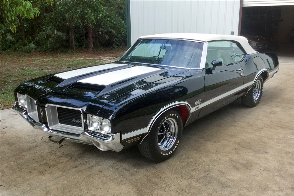 1971 OLDSMOBILE 442 CONVERTIBLE - Front 3/4 - 190245