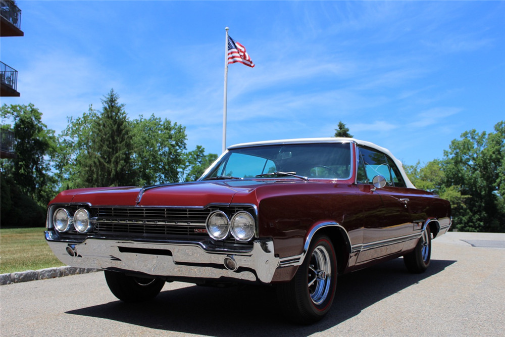 1965 OLDSMOBILE 442 CONVERTIBLE - Front 3/4 - 195986