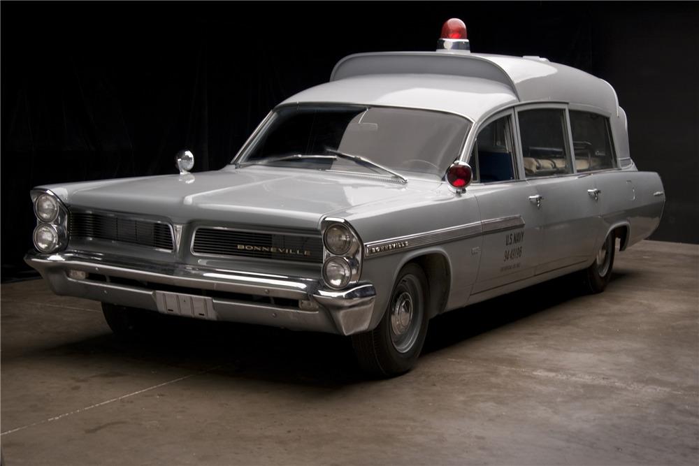 1963 PONTIAC BONNEVILLE JFK AMBULANCE - Front 3/4 - 202029