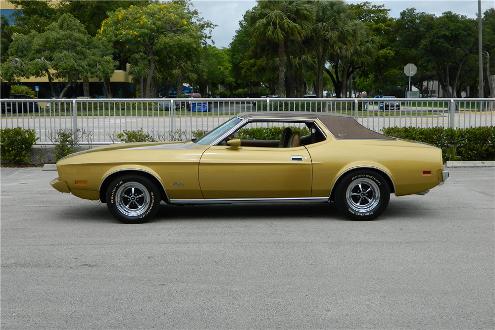 1973 FORD MUSTANG - Side Profile - 205973