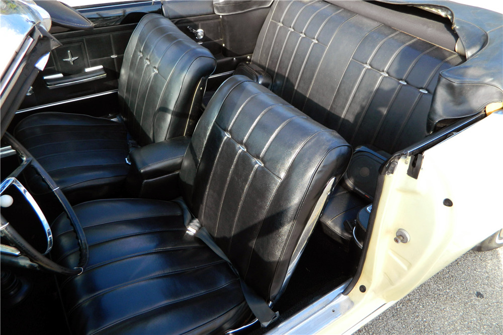 1966 CHEVROLET CORVAIR CONVERTIBLE - Interior - 206302