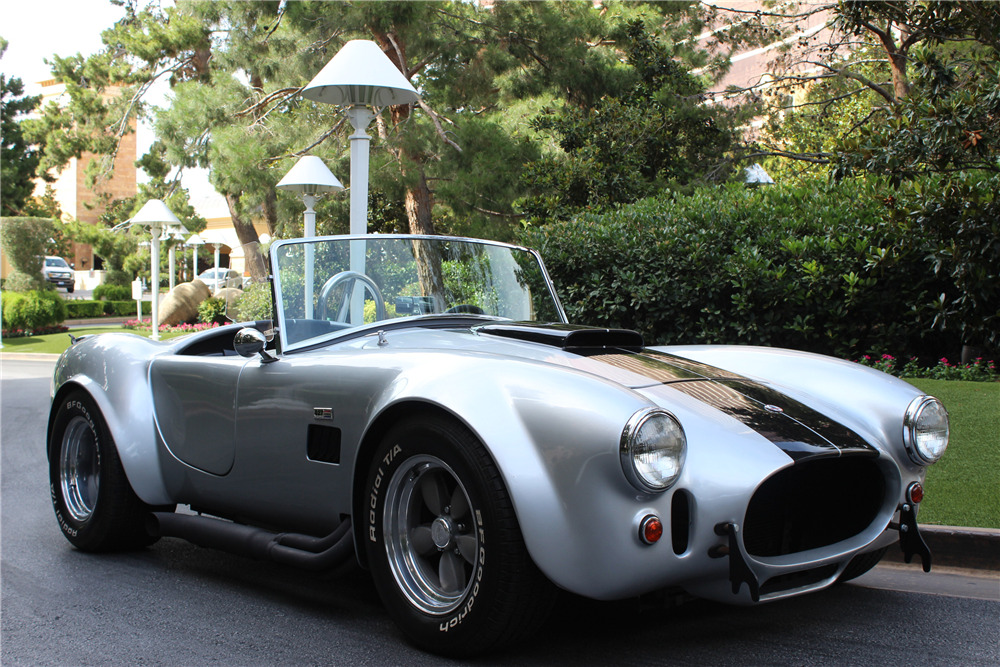 1967 SHELBY COBRA ROADSTER - Front 3/4 - 209477