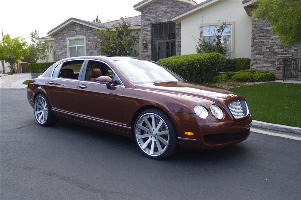 2006 BENTLEY CONTINENTAL FLYING SPUR - Front 3/4 - 210619