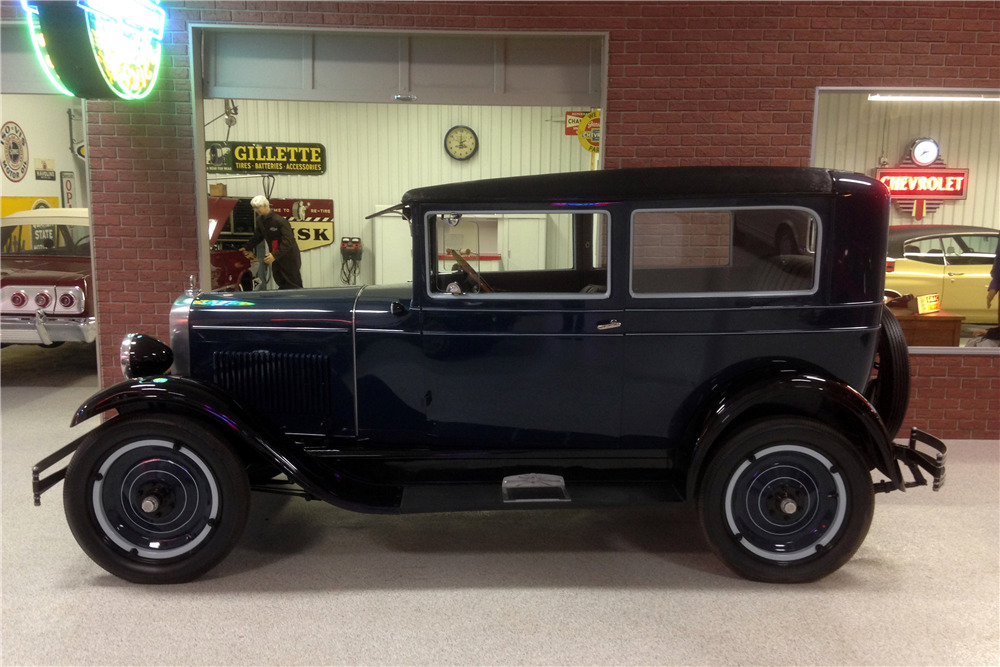 1928 CHEVROLET AB NATIONAL SEDAN - Side Profile - 213317