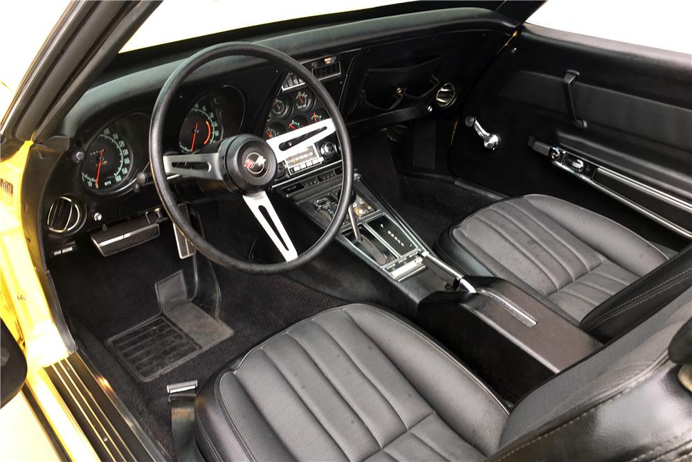 1969 CHEVROLET CORVETTE 350/300 CONVERTIBLE - Interior - 215554