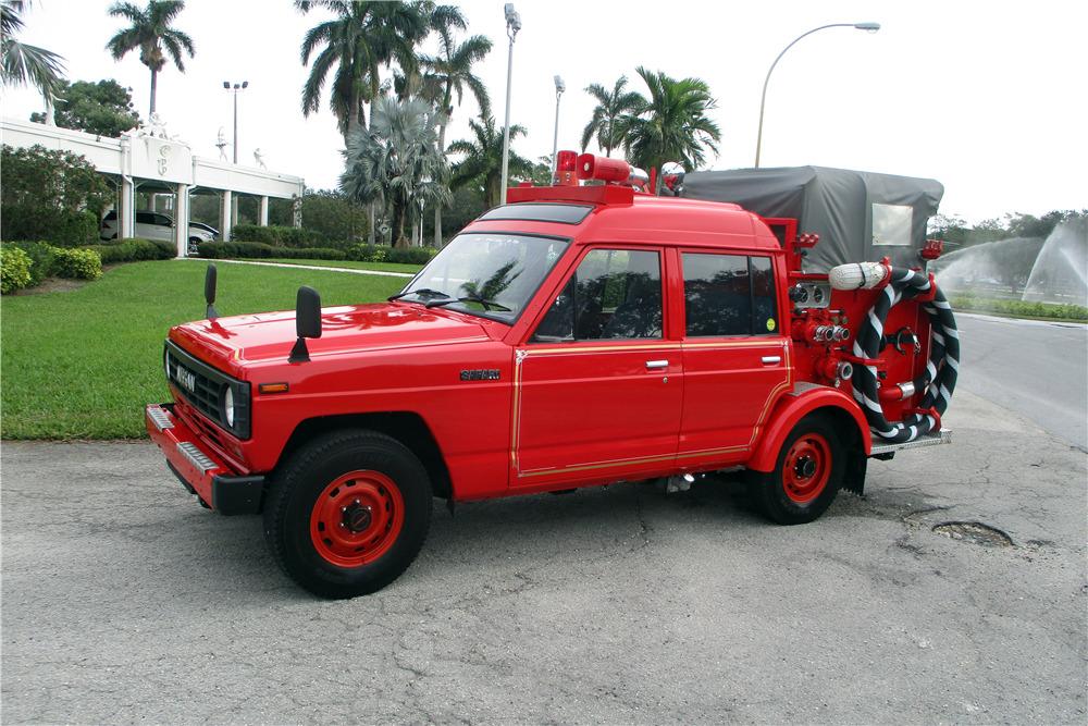 1986 NISSAN SAFARI FIRE TRUCK - Front 3/4 - 217522
