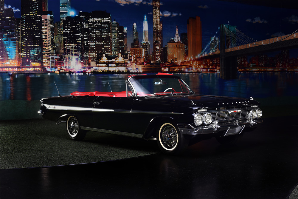 1961 CHEVROLET IMPALA SS CONVERTIBLE - Front 3/4 - 217643