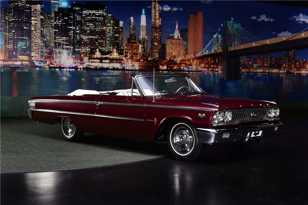 1963 FORD GALAXIE 500 XL R-CODE CONVERTIBLE - Front 3/4 - 217654