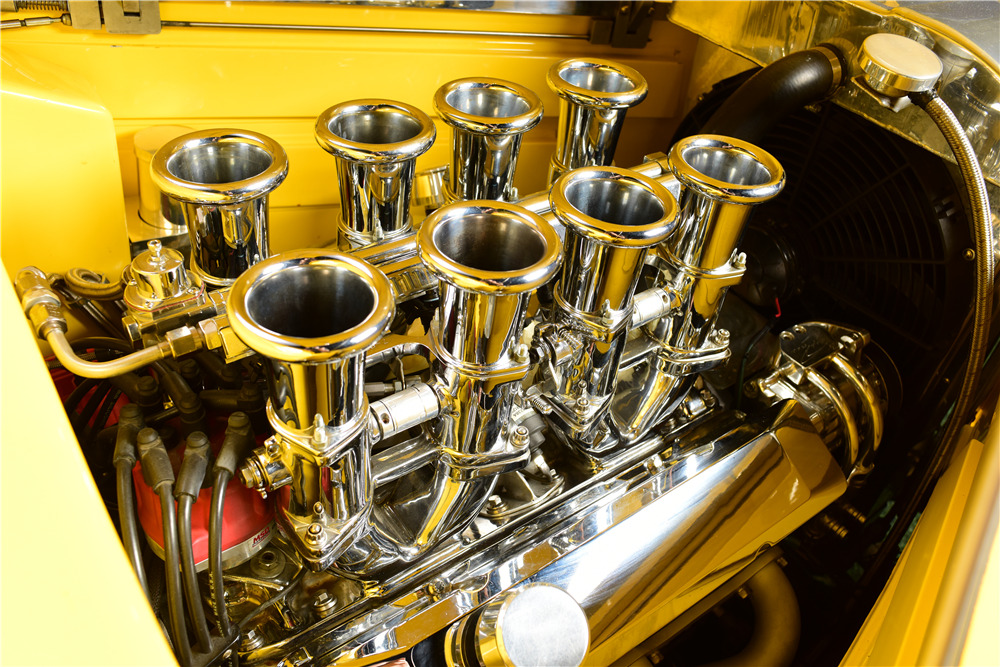1933 FORD CUSTOM COUPE - Engine - 217664