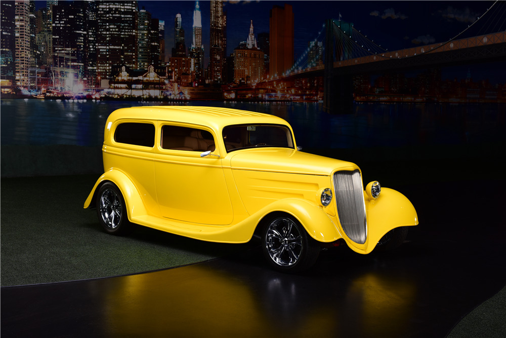 1933 FORD CUSTOM COUPE - Front 3/4 - 217664