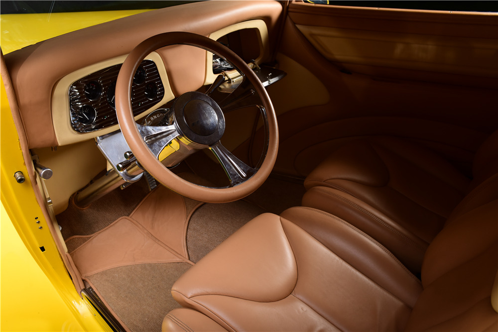1933 FORD CUSTOM COUPE - Interior - 217664