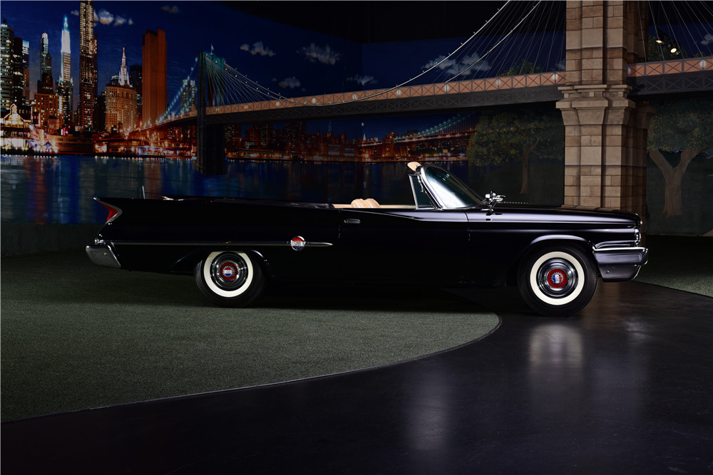 1960 CHRYSLER 300F CONVERTIBLE - Side Profile - 217889
