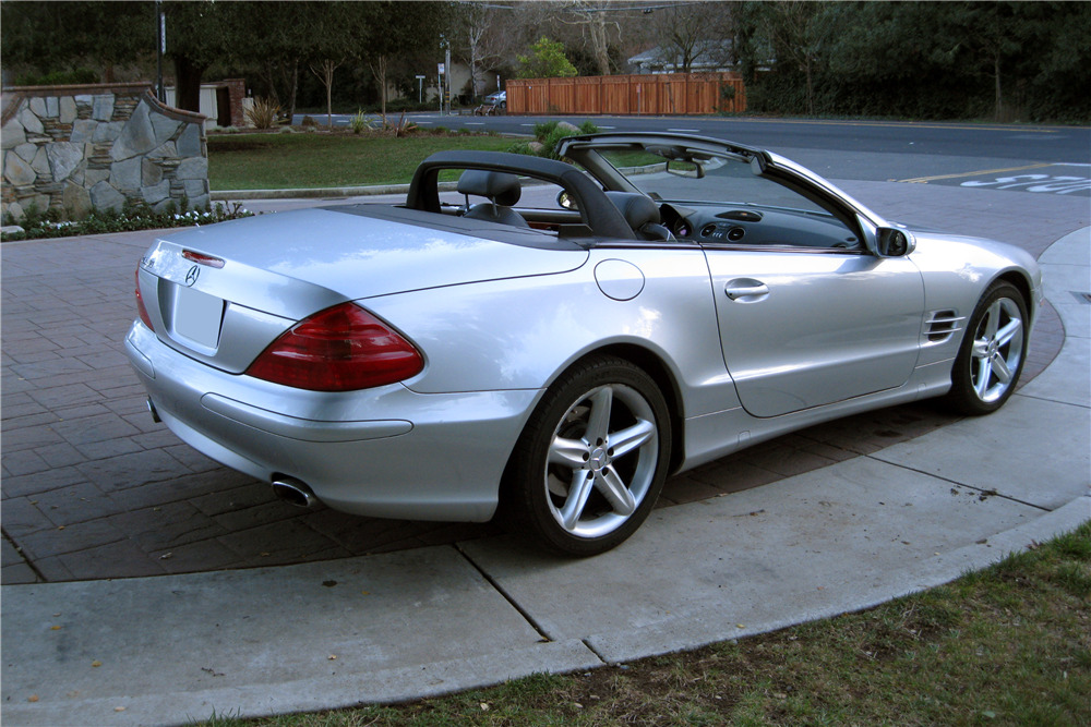 2004 MERCEDES-BENZ SL500 - Rear 3/4 - 217925
