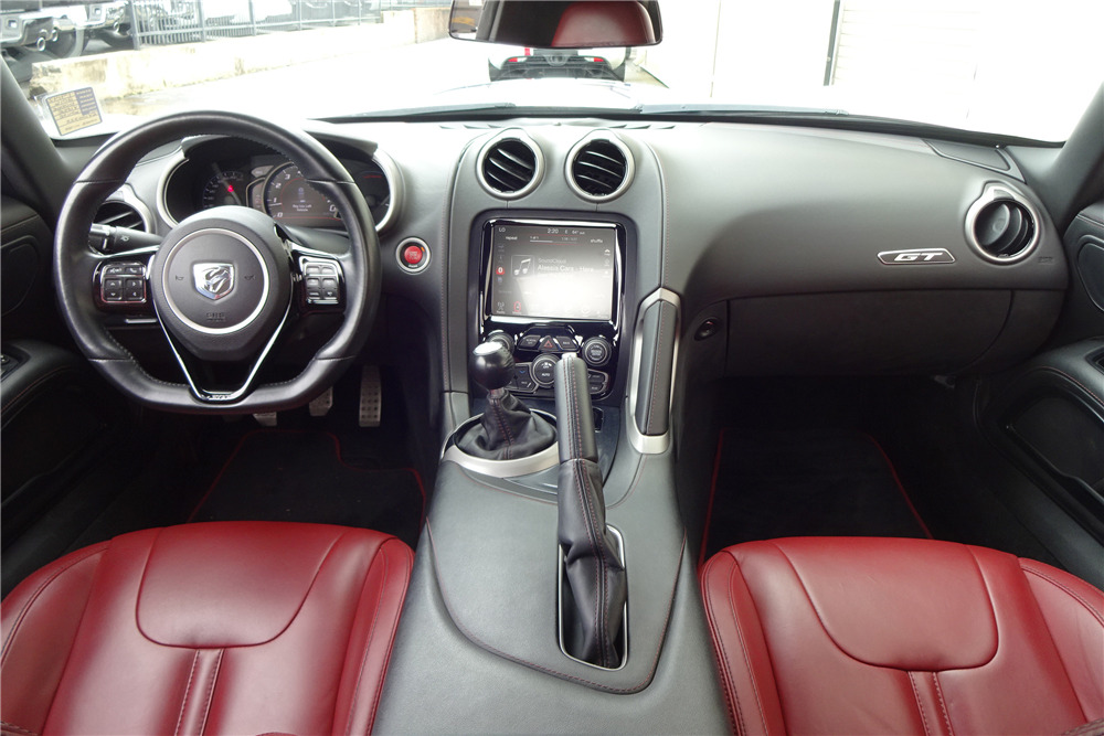 2016 DODGE VIPER GTC - Interior - 217939