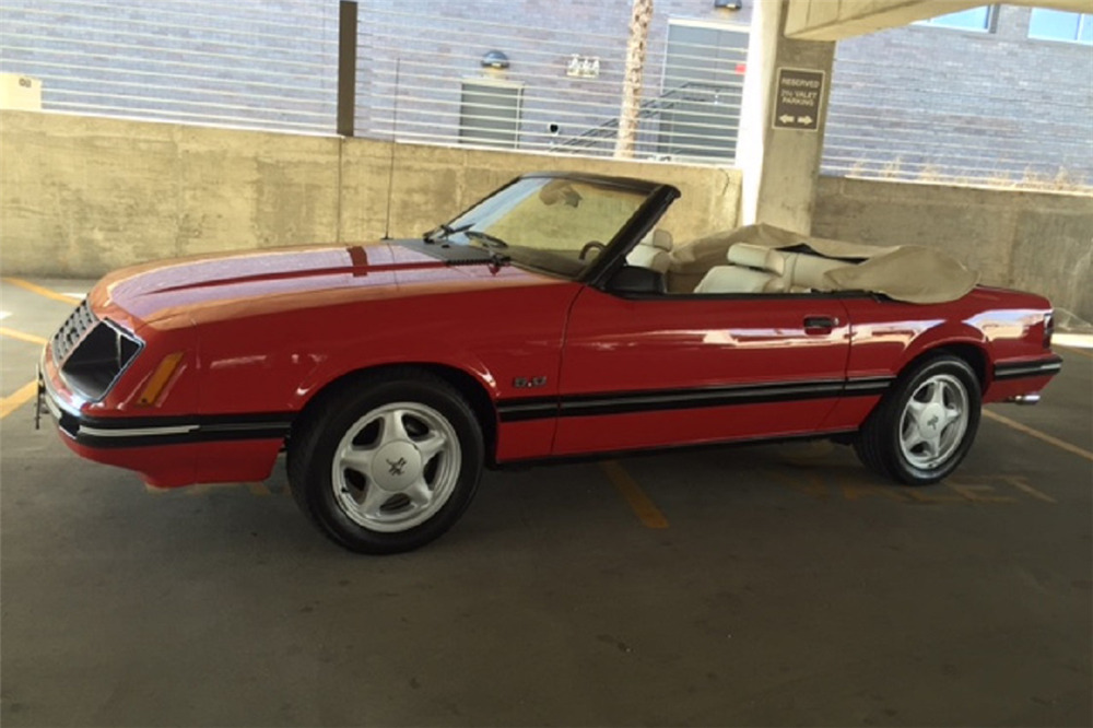1983 FORD MUSTANG CONVERTIBLE - Front 3/4 - 217947