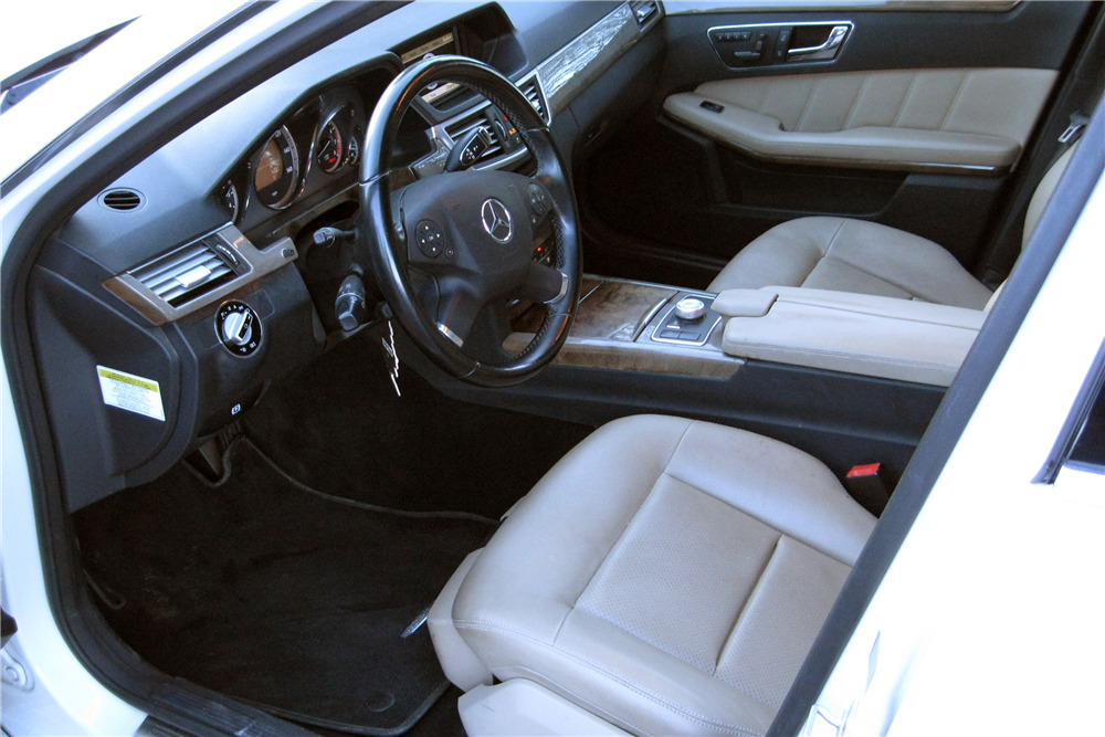 2010 MERCEDES-BENZ E350 - Interior - 217965