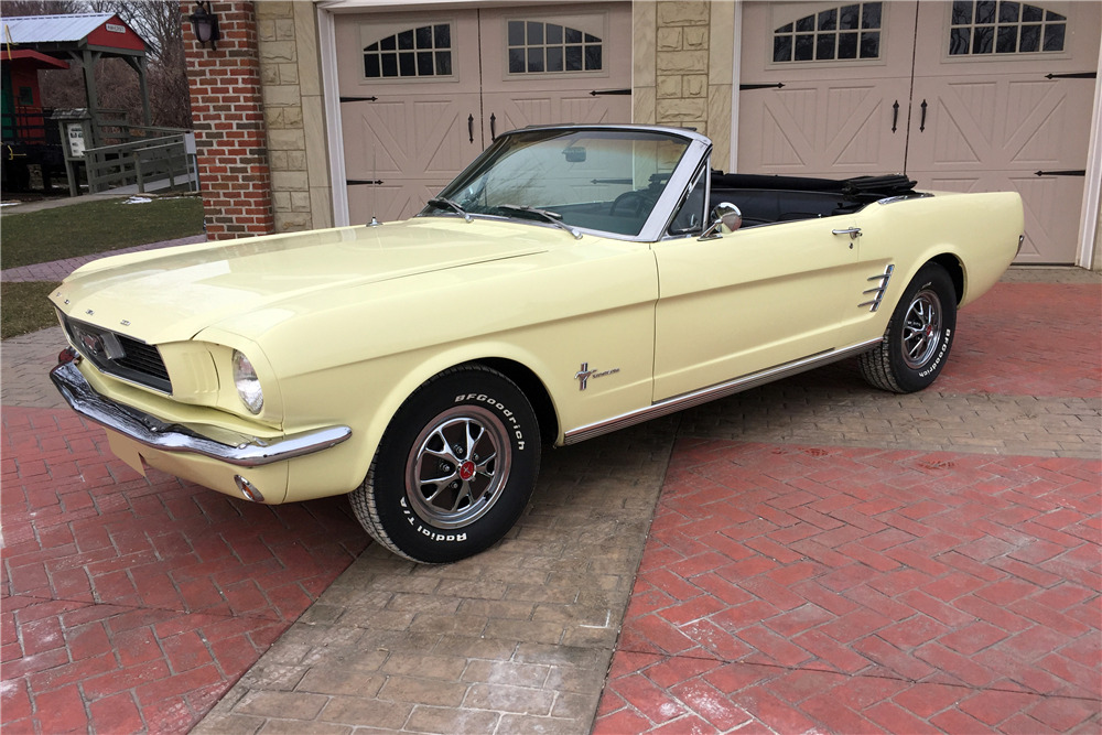 1966 FORD MUSTANG CONVERTIBLE - Front 3/4 - 217987