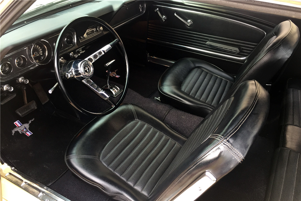 1966 FORD MUSTANG - Interior - 217988