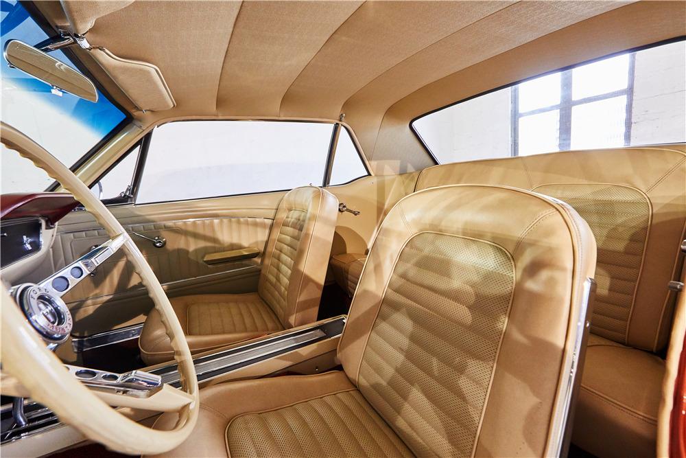 1965 FORD MUSTANG - Interior - 218030