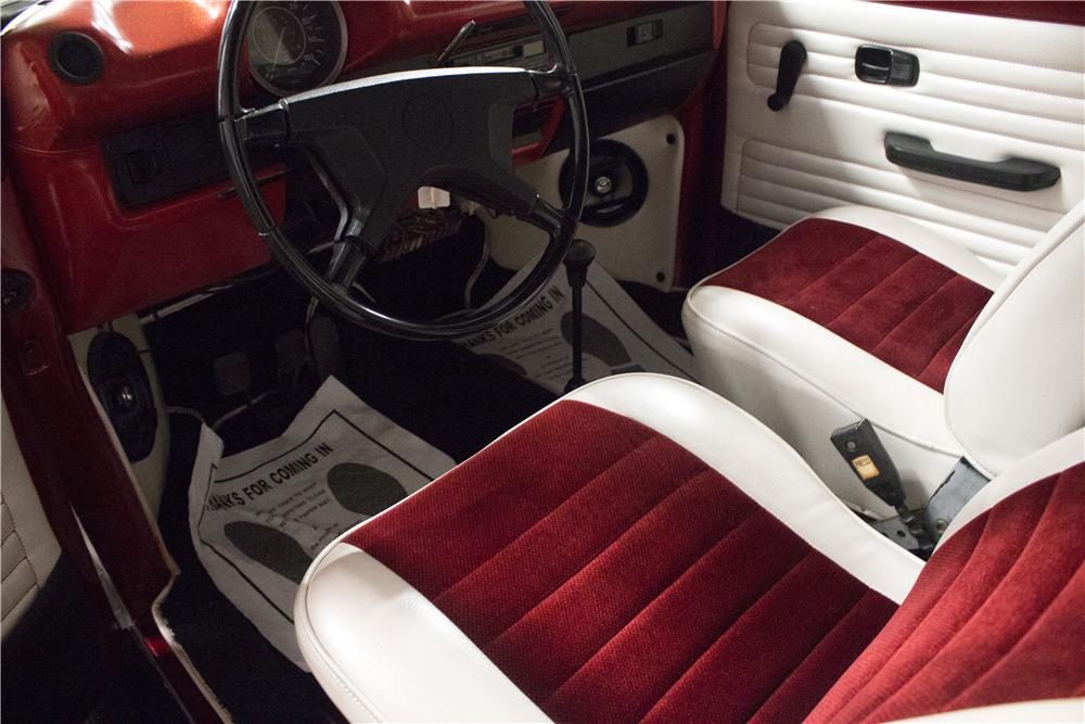 1974 VOLKSWAGEN BEETLE - Interior - 218069