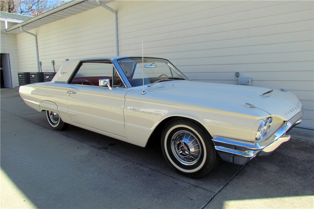 1964 FORD THUNDERBIRD - Front 3/4 - 218085