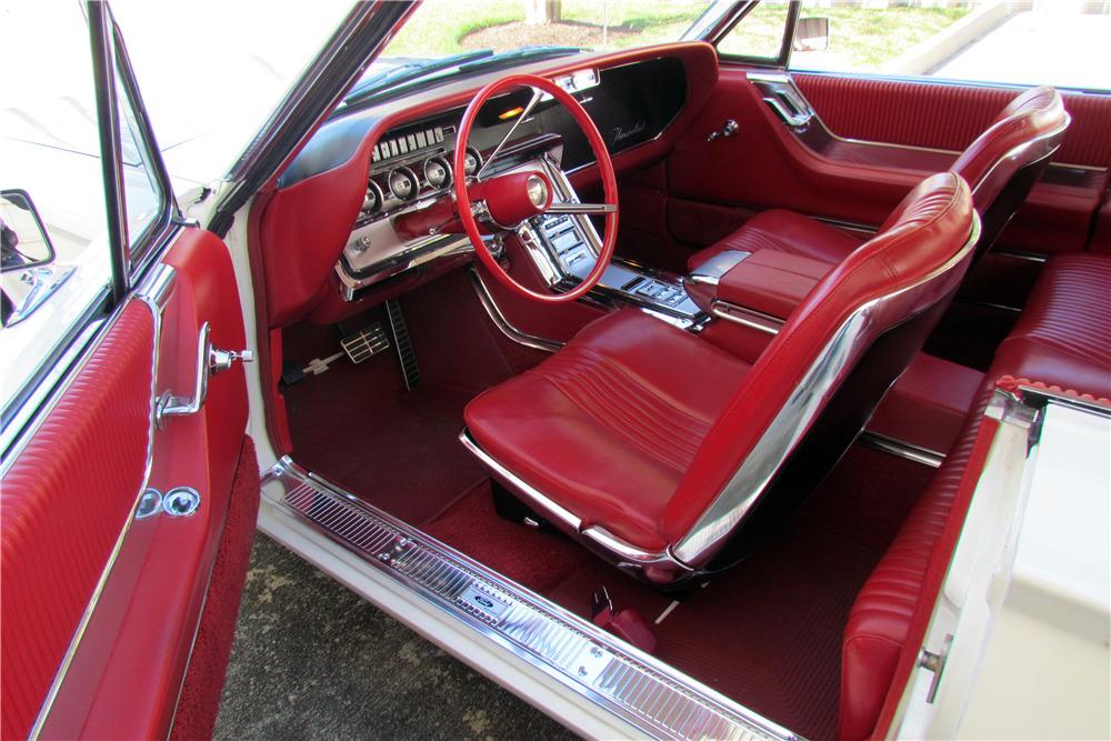 1964 FORD THUNDERBIRD - Interior - 218085