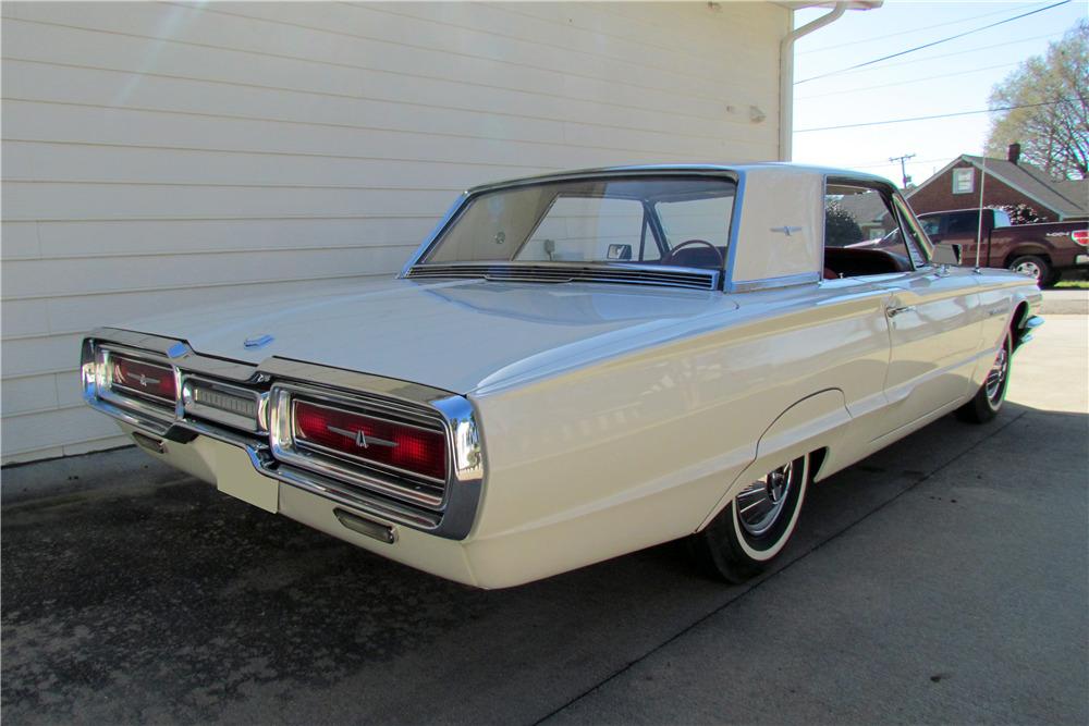 1964 FORD THUNDERBIRD - Rear 3/4 - 218085