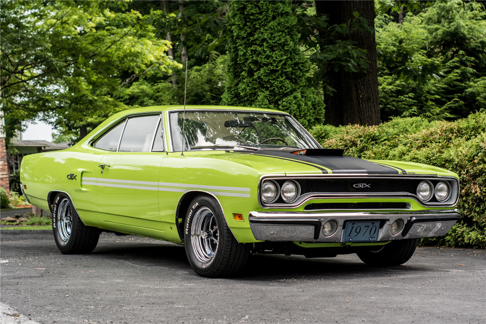 1970 PLYMOUTH GTX 440 SIX-BARREL HARDTOP - Front 3/4 - 218110