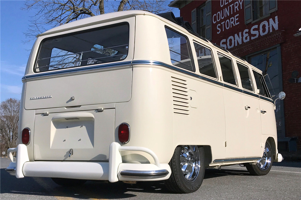 1966 VOLKSWAGEN 21-WINDOW CUSTOM MICROBUS - Rear 3/4 - 218318