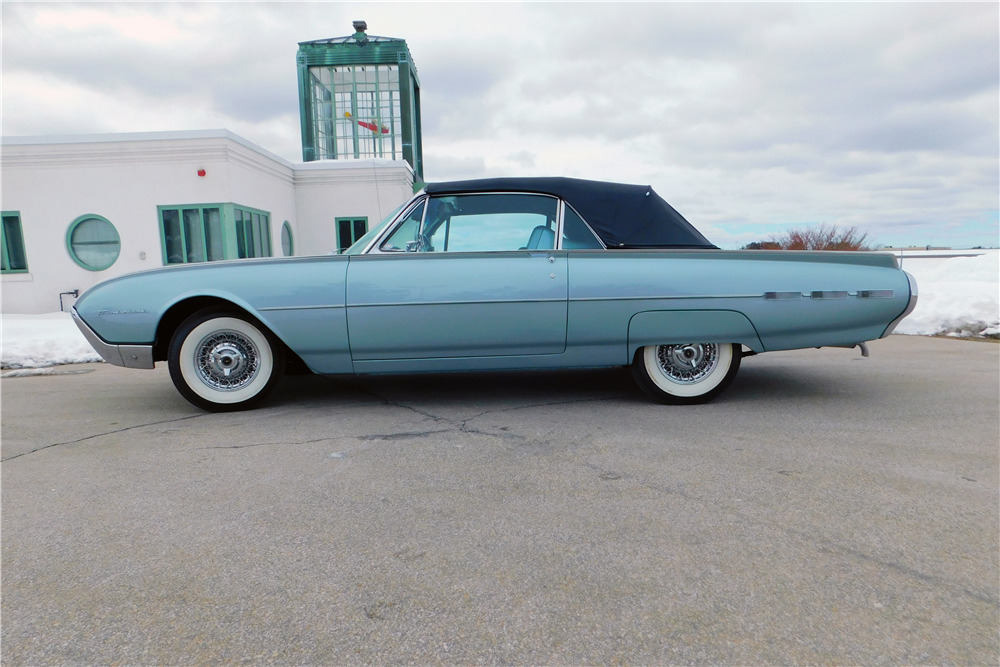 1962 FORD THUNDERBIRD CONVERTIBLE - Side Profile - 219097