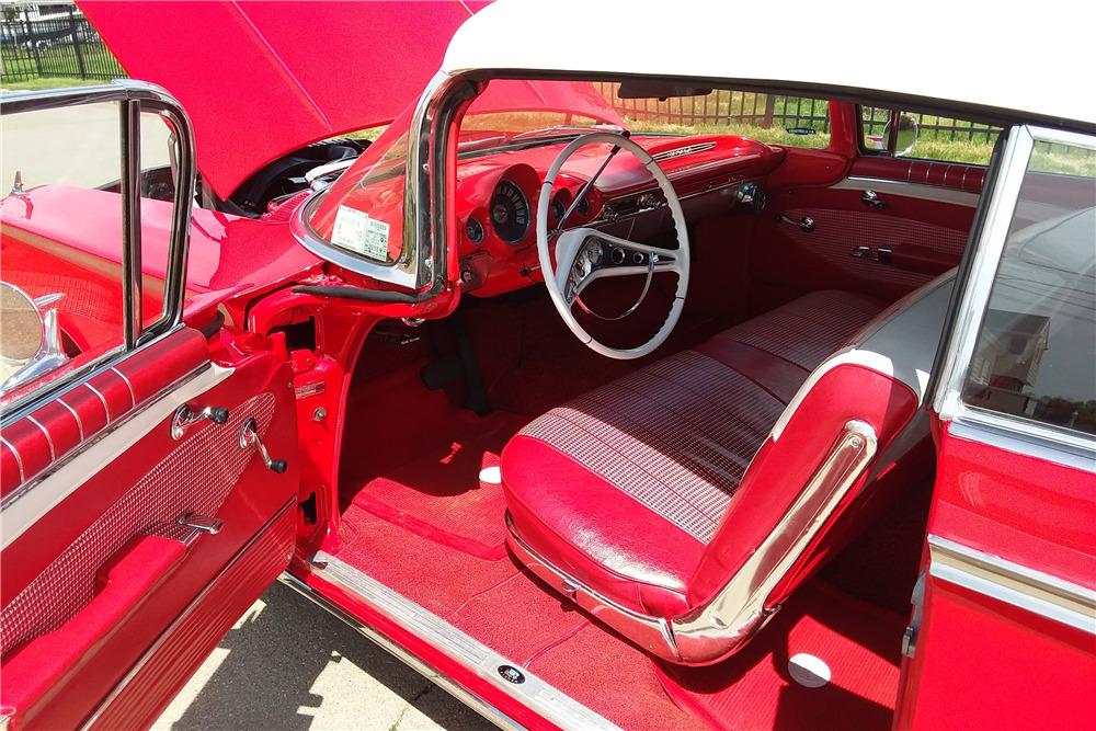 1960 CHEVROLET IMPALA CONVERTIBLE - Interior - 219780
