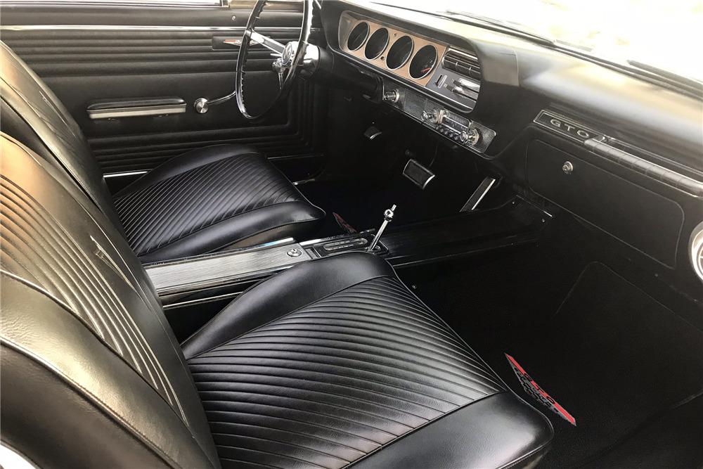 1965 PONTIAC GTO - Interior - 219790