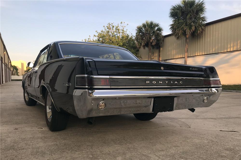 1965 PONTIAC GTO - Rear 3/4 - 219790