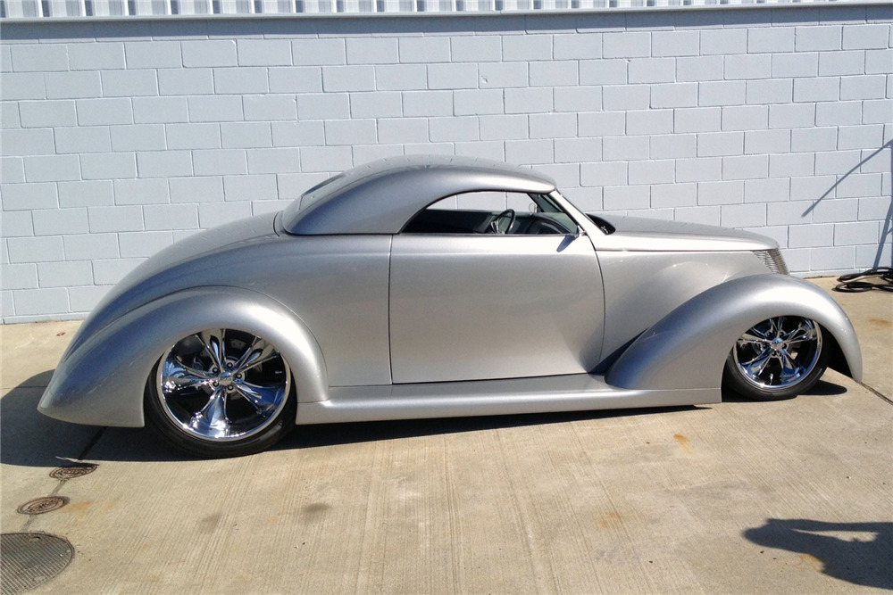 1937 FORD CUSTOM ROADSTER - Front 3/4 - 219802