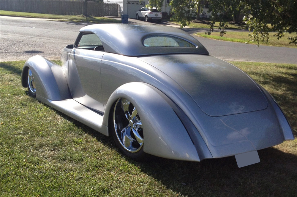 1937 FORD CUSTOM ROADSTER - Rear 3/4 - 219802