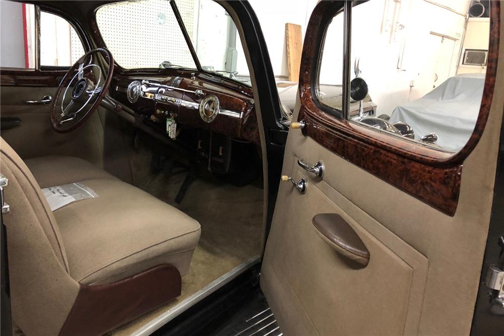 1940 PACKARD SUPER 180 TOURING SEDAN-LIMO  - Interior - 219821