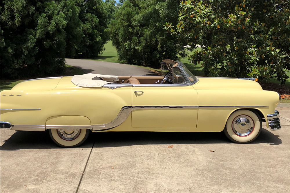 1954 PONTIAC STAR CHIEF CONVERTIBLE - Side Profile - 219825